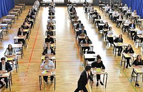 Na maturze obowiązkowy egzamin z matematyki na poziomie podstawowym