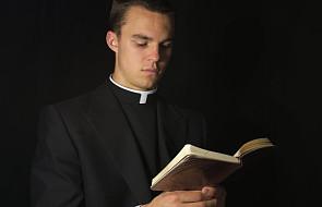Dlaczego księża porzucają kapłaństwo?
