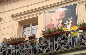 Gniezno: Jutrznia Lednicka i spotkanie młodych pod balkonem papieskim