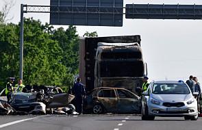 Szczecin: po wypadku na A6, w którym zginęło sześć osób, dwie nadal przebywają w szpitalach