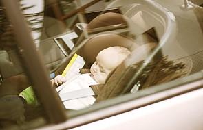 Ojciec zostawił dziecko w samochodzie na parkingu; może mu grozić 5 lat więzienia