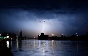 Gwałtowne burze i opady deszczu przeszły przez Polskę. Konieczne interwencje straży pożarnej