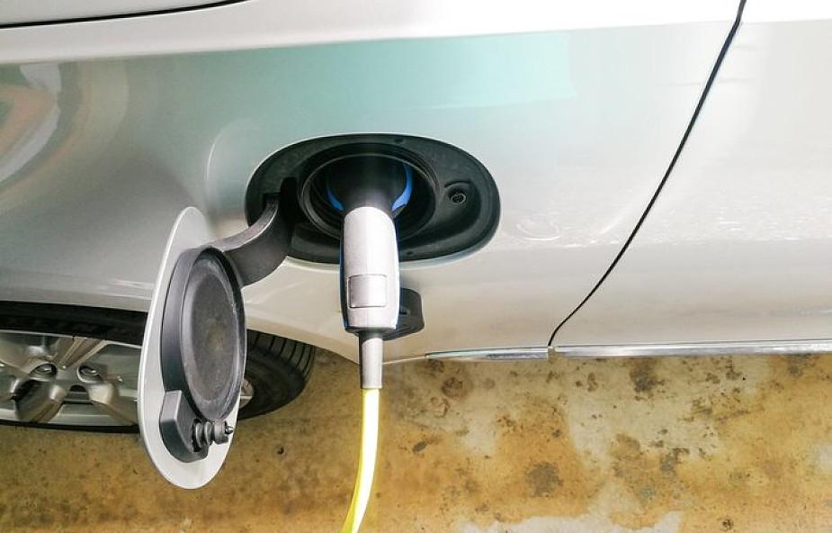 Watykan instaluje stacje ładowania dla samochodów elektrycznych i hybrydowych