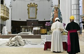 Franciszek ma nowe nakrycie głowy. Po co papieżowi kask?