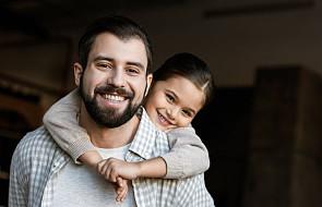 MRPiPS: coraz więcej mężczyzn decyduje się na urlop ojcowski