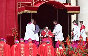 Watykan: jutro papież poświęci paliusze dla 31 arcybiskupów- metropolitów