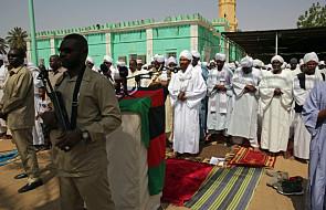 Apel o przerwanie przemocy. Unia Afrykańska zawiesiła Sudan w prawach członka tej organizacji