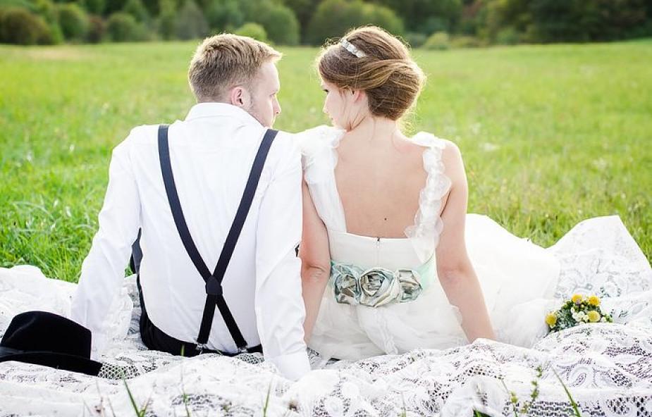 Przed ślubem naucz się patrzeć w oczy. Dlaczego to takie ważne?