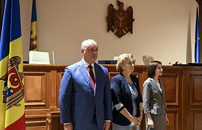 Mołdawia: trybunał Konstytucyjny usunął prezydenta Dodona od sprawowanej funkcji