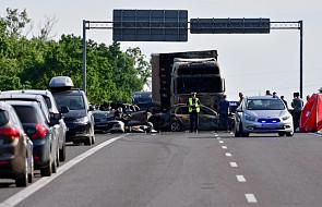 Zachodniopomorskie: po wypadku, w którym zginęło 6 osób, kierowca tira został zatrzymany