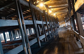 """""""Przez pryzmat wiary"""" - niezwykła wystawa w Auschwitz. To trzeba zobaczyć"""