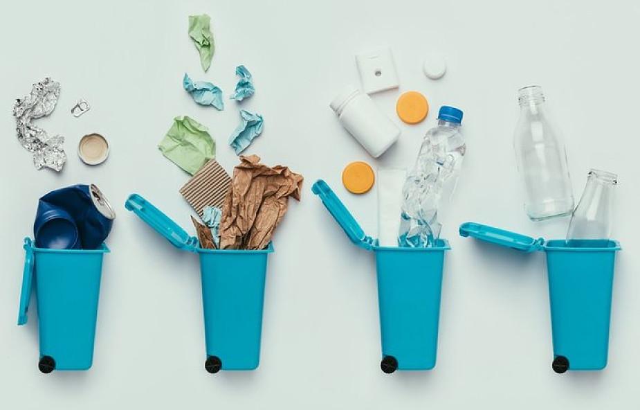 Warszawa: w weekend startują dwa pierwsze recyklomaty w mieście