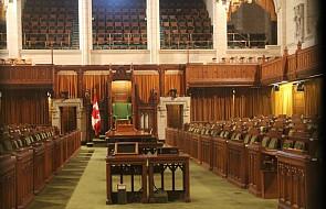 To już oficjalne. W jednym z kanadyjskich parlamentów usunięto krzyż ze ściany sali obrad