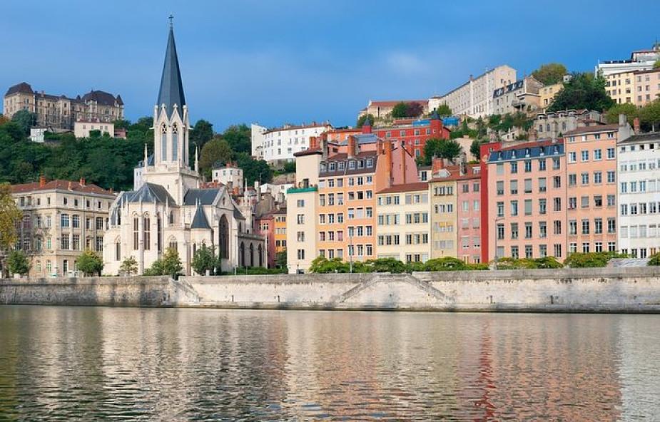 Francja: czterokrotnie wzrosły ataki na kościoły, cmentarze i miejsca kultu