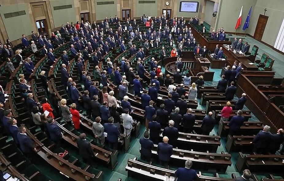 """Szef KPRM: rząd przyjmie dziś projekt ws. komisji ds. pedofilii i zostanie on """"niezwłocznie skierowany do Sejmu"""""""
