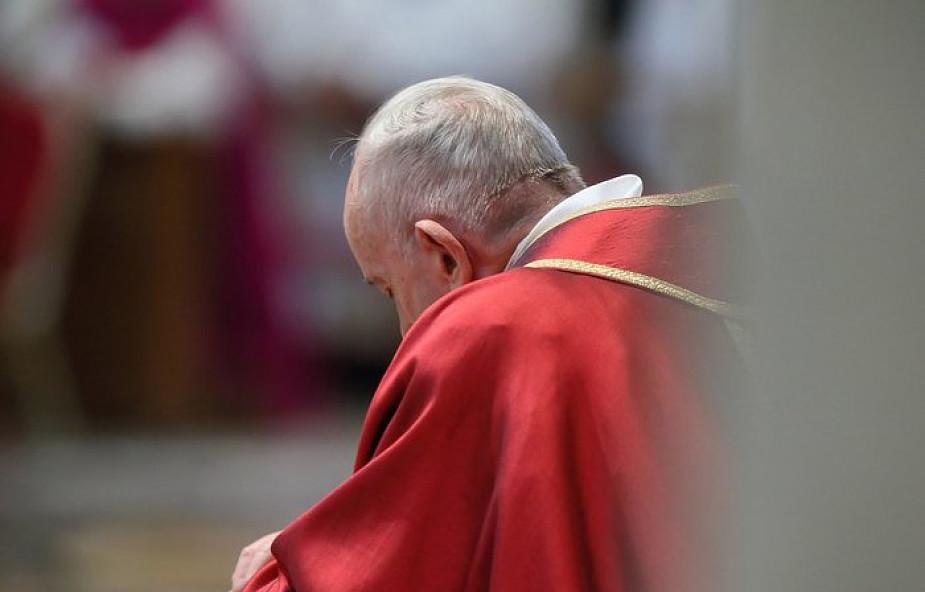 Uwaga na fałszywe wypowiedzi papieża Franciszka! Ostrzega grupa księży i biskup