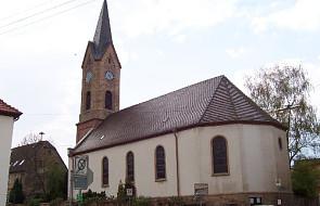 Niemcy: Kościół ewangelicki pozbył się dzwonu z napisem gloryfikującym Hitlera