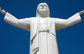"""Chcą zburzyć monumentalną figurę Chrystusa. """"To pomnik korupcji"""""""
