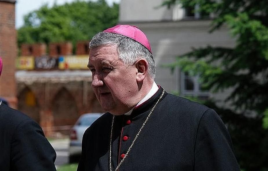 Bp Kamiński apeluje o modlitwę w intencji powołań kapłańskich i zakonnych