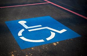 Komisja senacka zaczęła rozpatrywać ustawę ws. 500 plus dla niepełnosprawnych