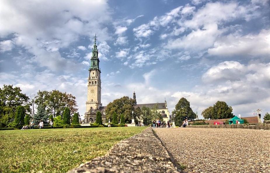 Z Warszawy na Jasną Górę - największe pielgrzymki gotowe do drogi