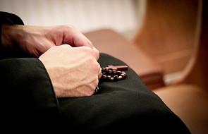 Atak na księdza w kancelarii parafialnej. Duchownego uratowali policjanci