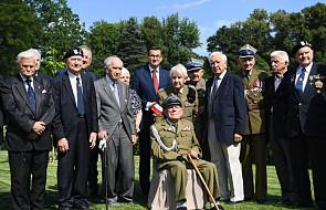 Premier spotkał się z powstańcami warszawskimi i kombatantami