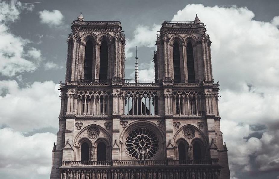 Francja: tylko 38 mln euro wpłynęło na odbudowę katedry Notre-Dame