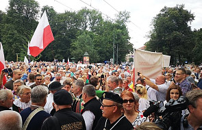 Kraków: spontaniczna modlitwa w intencji abp. Jędraszewskiego