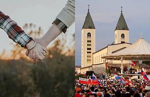 Narzeczeni ofiarowali swoją miłość Maryi w Medjugorie. Ich zaręczyny wzruszają do łez