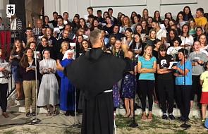 Posłuchaj pięknego utworu, który stał się hymnem warszawskiej pielgrzymki [MUZYKA]