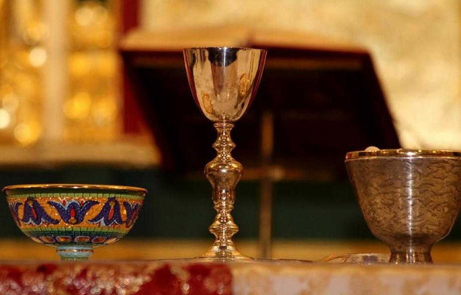 Mazurscy luteranie odzyskali zaginiony podczas wojny kielich z kościoła w Dźwierzutach