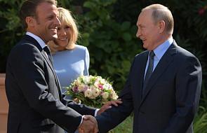 Francuskie media o wizycie Putina: Macron stawia na zbliżenie z Rosją