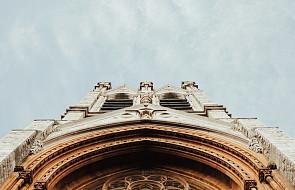 W Irlandii Płn. rośnie liczba profanacji. Świątynie są podpalane, oblewane farbą i szpecone graffiti