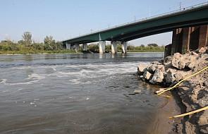 """GIOŚ: zagrożenie po awarii w oczyszczalni ścieków """"Czajka"""" może trwać około miesiąca"""