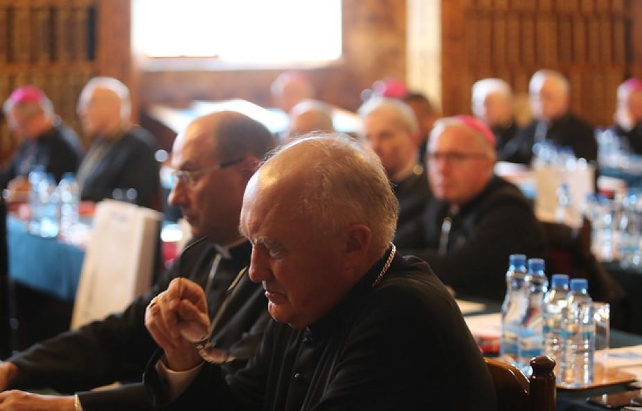 Biskupi opublikowali dokument o profanacjach i przemocy na tle religijnym