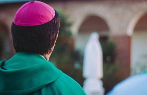 USA: biskupi przeciwni bezpłatnym pigułkom wczesnoporonnym dla studentek