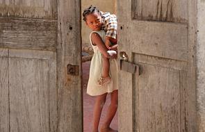 """Stowarzyszenie """"Kobiety w Watykanie"""" wspiera dzieci w Mozambiku"""