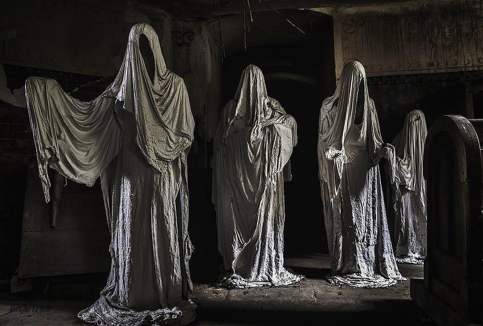 Kościół przeznaczony do rozbiórki uratowany dzięki… przerażającej instalacji - zdjęcie w treści artykułu