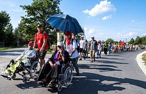 Bez więźniów niepełnosprawni nie doszliby na Jasną Górę