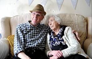 Są małżeństwem od 74 lat. Wciąż patrzą na siebie z miłością i zdradzają swój sekret szczęśliwego związku