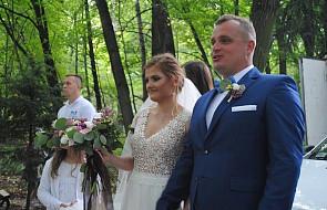 Rok temu szli do Maryi jako narzeczeni, teraz wzięli ślub na pielgrzymce