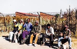 Kard. Turkson: wygnanie imigrantów nie rozwiąże problemów z bezrobociem
