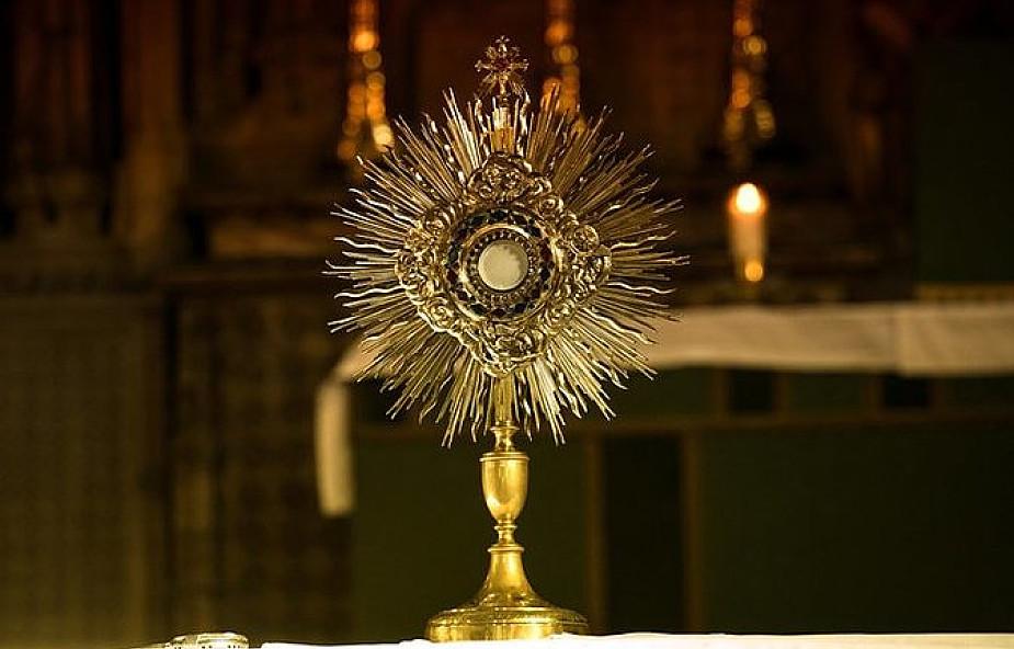 Adoracja Najświętszego Sakramentu - czyli jak stracić czas z Bogiem