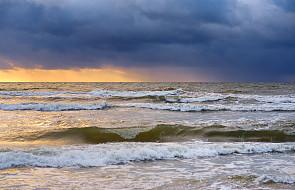 Pomorze: sztormowa pogoda na Morzu Bałtyckim utrzyma się jeszcze przez kilka dni