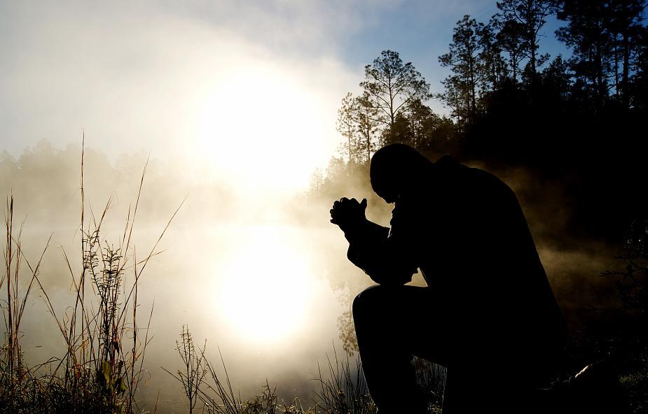 Jak się modlić? Kilka uwag praktycznych
