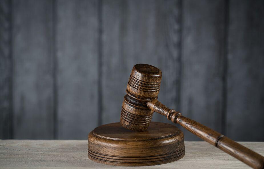 Ostrołęka: akt oskarżenia przeciwko 41-latkowi, który zgwałcił 7-letnią dziewczynkę