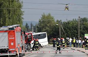 Małopolskie: jedna osoba nie żyje, 33 są ranne, w tym 7 ciężko, po wypadku koło Nowego Sącza