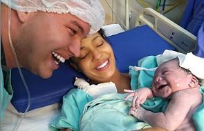 Gdy noworodek usłyszał głos swojego taty od razu się uśmiechnął