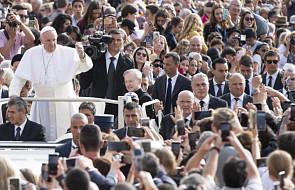 """Papież zachęcił Polaków do """"dawania świadectwa, przyjmując codzienne męczeństwo"""""""